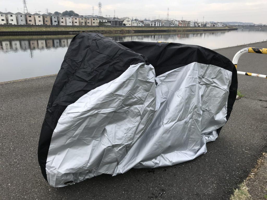 Ohuhuの自転車カバーは大型の自転車をすっぽり覆うことができた